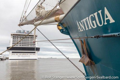Gallery 1:Northwest Spitsbergen – Antigua 2018